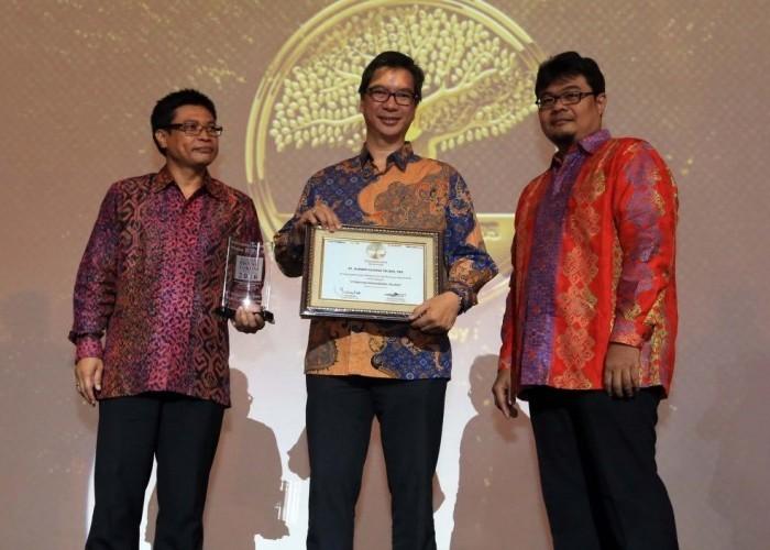 Raih Family Business Award 2016, Masih Ragu Belanja Di Alfamart?