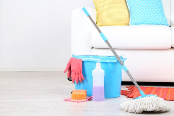 Cara membersihkan lantai