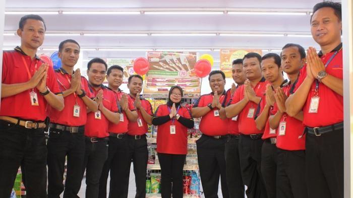 Bukan Hanya Pelanggan, Karyawan Alfamart Juga Diberikan Pelayanan Terbaik