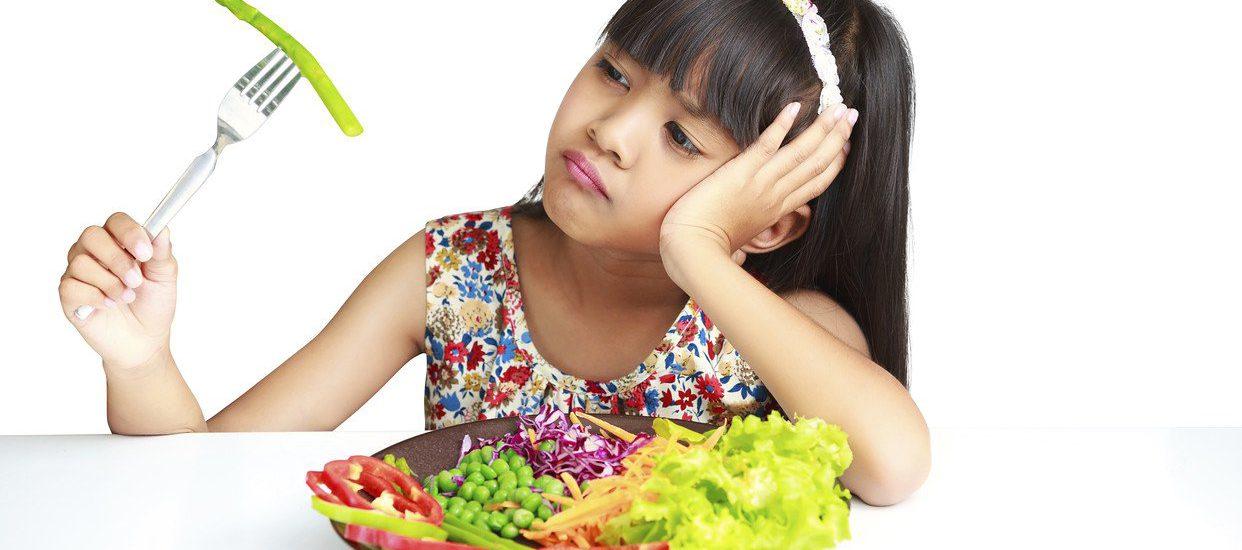 6 Siasat Menangani Anak yang Susah Makan Sayur dan Buah