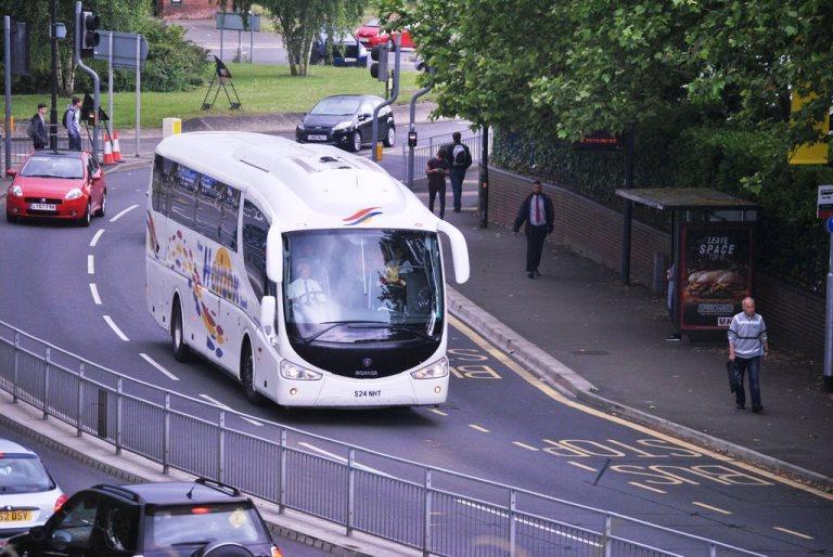 6 Keuntungan yang Bisa Dirasakan Bila Berpergian Menggunakan Bus